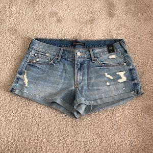 NWT Abercrombie low rise jean shorts